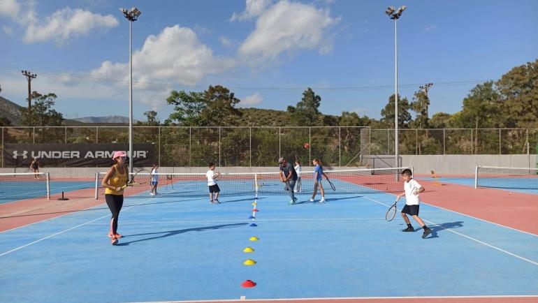 Τα καινούργια μας παιδιά κάνοντας τα πρώτα τους βήματα στο τένις!
